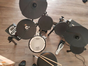 Roland Electric drum set kit