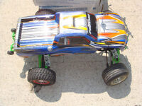 RC TRAXXAS WATERPROOF BRUSHED STAMPEDE, TON OF RPM PARTS