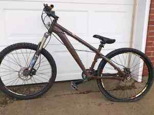 **SOLD Pending Pick Up**Norco Rampage,Bigfoot