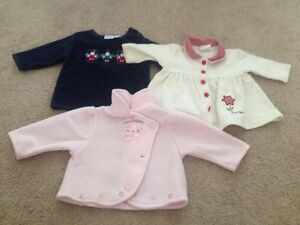 Lot of 19 girl's clothes size 6-9 months, Fall/Winter Kitchener / Waterloo Kitchener Area image 3