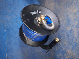 Air hose on mounting coil