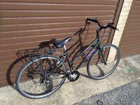 Trek Ladies Hybrid Bike. Serviced, Free Lock/Lights/Delivery
