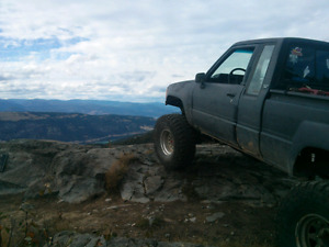 1986 Toyota SR5 extended cab 4x4 with custom short box