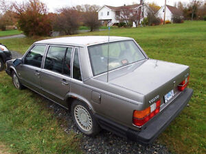 1989 Volvo 740 GL Sedan with parts car