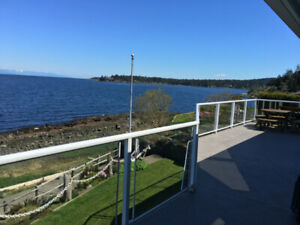 Beautiful Oceanfront in Nanoose Bay!
