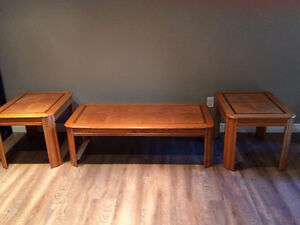 Matching Coffee and End Tables Great Shape London Ontario image 1