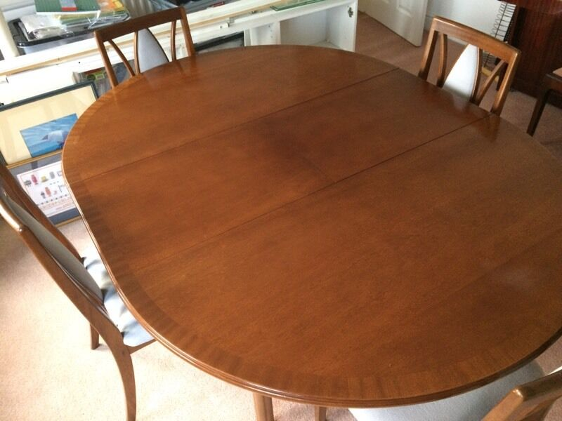 Offers welcome - Extendable Dinner table with 4 chairs