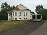 Maison à louer à Saint-Jérôme secteur Bellefeuille