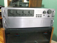 Stereo - Carver C-1 Pre amplifier and Carver M-1.5t Power amp