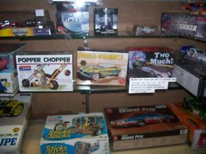 OLDER NHRA   AND  HOT WHEELS  COLLECTABLES AND MODEL KITS London Ontario image 7