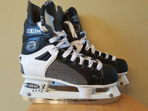 PATIN DE HOCKEY JUNIOR CCM TACKS 552 + LAME PROLITE 3 – 40$