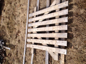 Cedar  Picket fencing