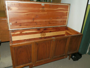 LANE CEDAR CHEST ANTIQUE BLANKET BOX with Drawer 1940's
