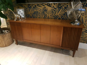 Clairtone stereo amplifier and speakers