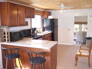 3 Bedroom cottage for sale in Port Franks/Grand Bend-year round