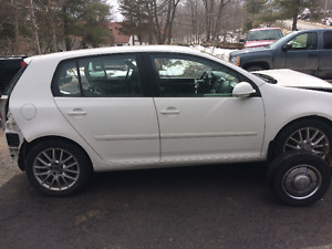 WRECKING 2009 VW RABBIT ALL PARTS FOR SALE