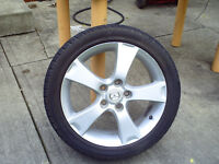 215/45/17.4 Snow tires Dunlop-Studless-Graspic In Excellent Cond