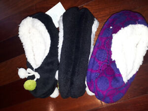 Brand new cozy home slippers for girls  Size 3 size s/m