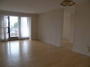 Spacious 2 Bed + Den the Heart of Downtown, Utilities Included! Kitchener / Waterloo Kitchener Area image 2