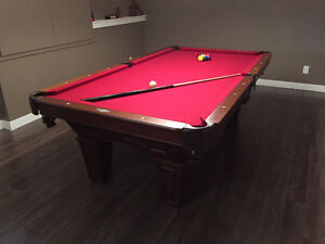 Brunswick Pool Table, 8ft, with all necessary accessories