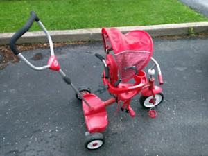 Tricycle RadioFlyer pour deux enfants