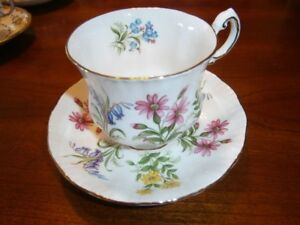LOVELY PARAGON FLORAL CUP AND SAUCER SET