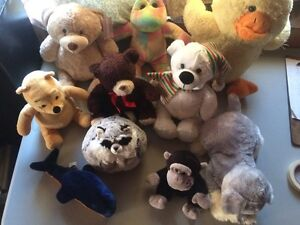 10 stuff animals and bears $ 4.00 for all