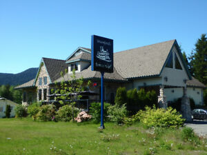 Pub/Restaurant & Lodge for sale