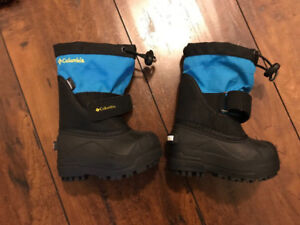Brand New Columbia Baby Boots -Size 5