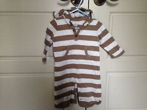 Old Navy one piece hooded outfit, size 6-12mos $2