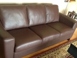 Beautiful leather couch & loveseat