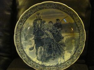LARGE DELPH PLATE WINTER HORSE CARRAGE RIDE asking $85 o