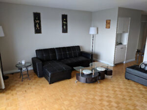 Beautiful Water Front Apartment-Pointe-Claire-3and1/2-1 bedroom