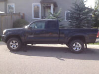 """2007 Toyota Tacoma """"low kms"""""""