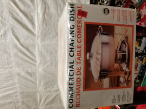 """4 qt 13 """" diameter commercial chafing/serving  dish"""