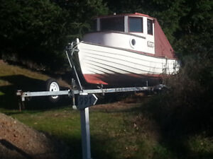 "14' fiberglass powerboat ""The Putter"" & trailer"