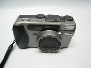 NIKON Zoom 800 AF - Classic 35 mm Point and Shoot Camera