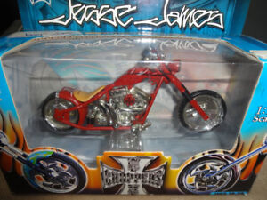1.18 SCALE DIE CAST WEST COST CHOPPERJESSE JAMES COLLECTION MUS