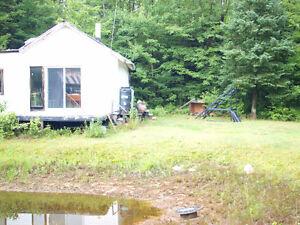 Camp de bois à vendre