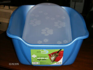 Two High Side Cat Litter Pans and Two Mats