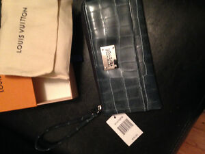 -NEw Kenneth Cole Reaction leather wallet