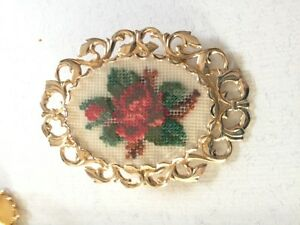 PETIT POINT Jewellery set 1970's