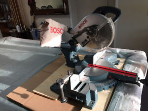 Bosch 3915 - Scie à onglet 10 po / Miter Saw  - condition A1