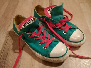 Girls Size 2 converse shoes