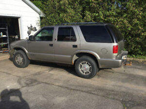 2003 GMC Jimmy 4x4   Reduced to $2000 OBO