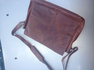 Columbus handcrafted brown leather bag