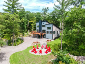 Waterfront Cottage Rental just 45 Minutes to Ottawa, Sleeps 12