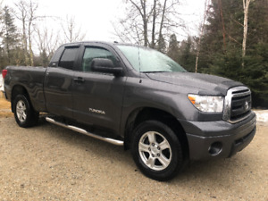 2012 Toyota Tundra SR5 4x4 Unbelieveable Shape! $125wk