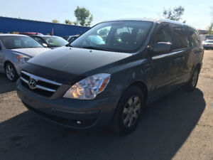 2007 Hyundai Entourage Van- Safety Qc or On + Winter tires incl.