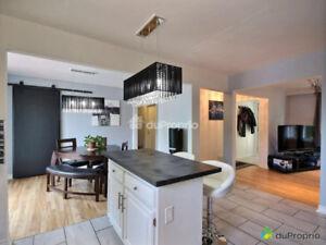 Bungalow à vendre Chateauguay, garage, piscine creusé,spa